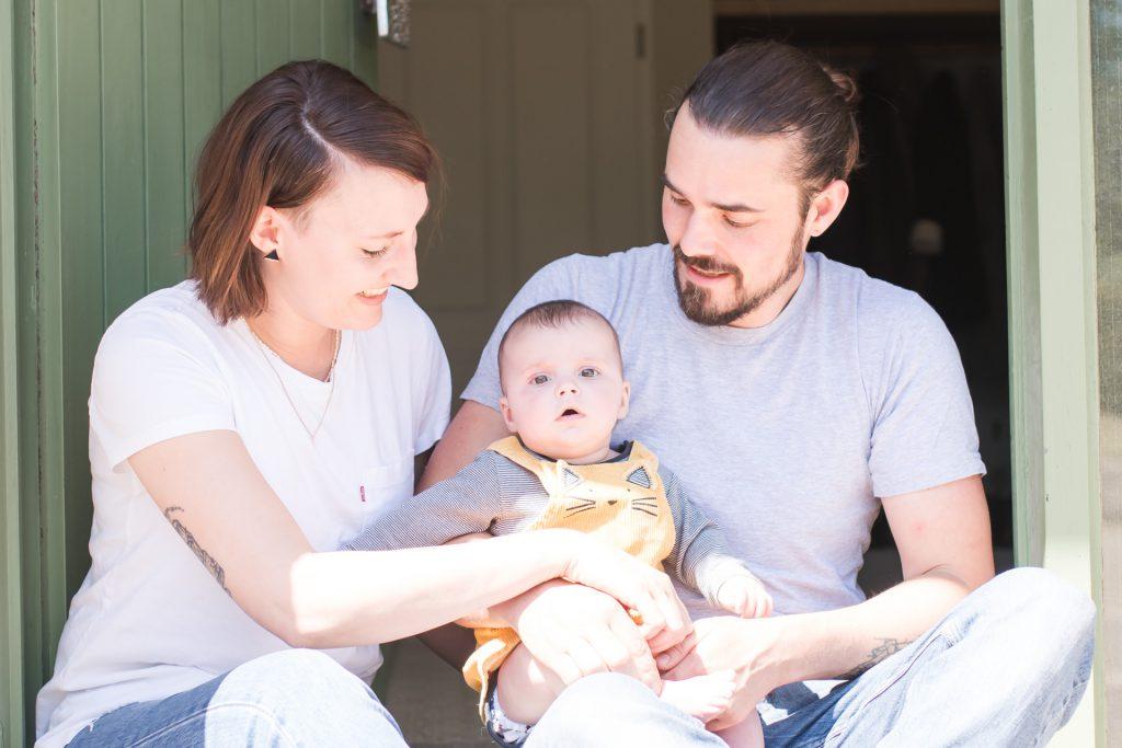 Neugeborenenshooting Newborn Shooting Neugeborenenfotografie Baby natürliche Babybilder Neugeborenenfotograf Saarland Saarbrücken Saarburg Trier Merzig Luxemburg Saarlouis Dillingen Saar Photographie Poesie